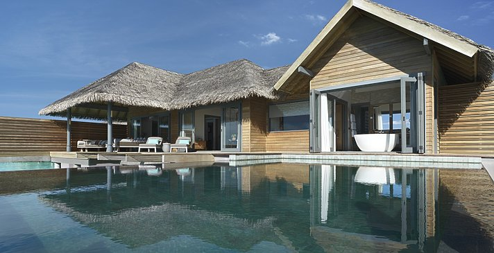 Overwater Pool Suite (Over Water Pool Retreat) - Vakkaru Maldives