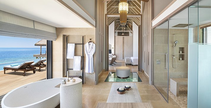 Overwater Villa mit Pool Badezimmer - Waldorf Astoria Maldives Ithaafushi
