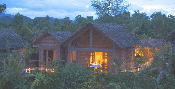 Pilgrimage Village Boutique Resort & Spa - Honeymoon Pool Hut
