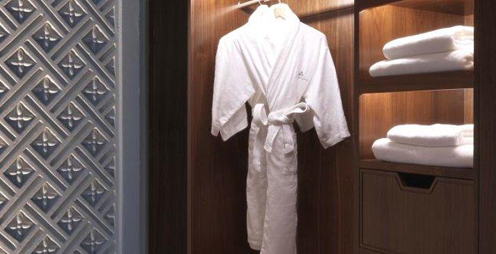 Begehbarer Kleiderschrank Premier Canyon View Room - Anantara Jabal Akhdar Resort