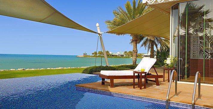 Privatpool der Villa - The Ritz-Carlton, Bahrain Villas
