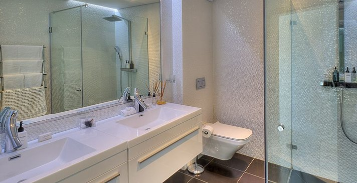 Sea Star Cliff Lodge - Seafacing Luxury Room - Badezimmer
