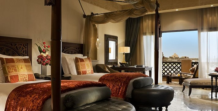 Deluxe Sea View Twin - Sharq Village & Spa, A Ritz-Carlton Hotel