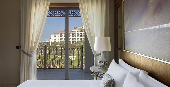 St. Regis Suite Schlafbereich - The St. Regis Saadiyat Island Resort