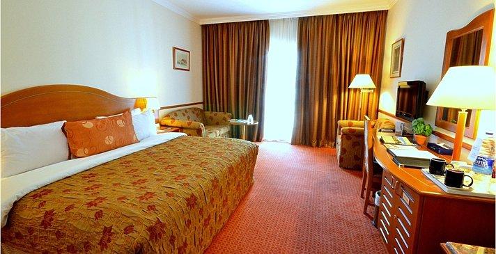 Suite Schlafzimmer - Golden Tulip Nizwa