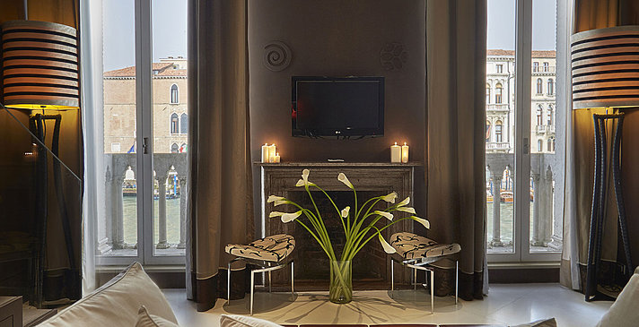 Suite Bilevel Grand Canal View - Sina Centurion Palace