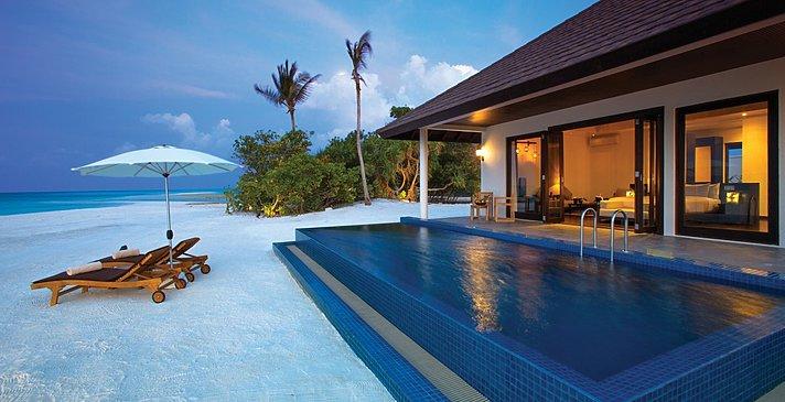 Sunset Beach Villa mit Pool - Atmosphere Kanifushi
