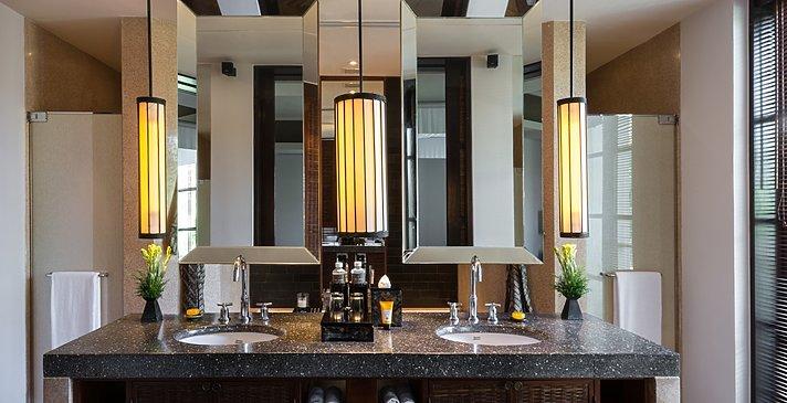 1 BR Deluxe Suite Badezimmer - The Legian Seminyak, Bali