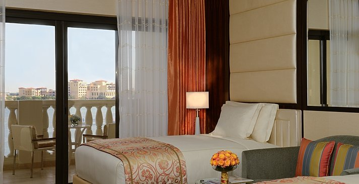 Deluxe bzw. Club Room Twin - The Ritz-Carlton Abu Dhabi, Grand Canal