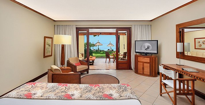 Tropical Beachfront Room - Paradis Beachcomber Golf Resort & Spa