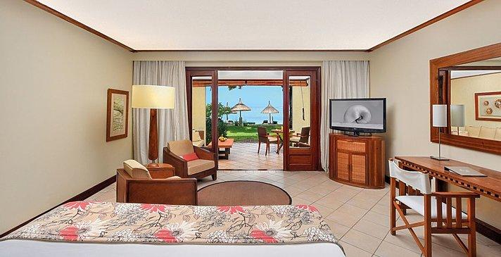 Tropical Beachfront Room - Paradis Beachcomber Golf Resort & Spa