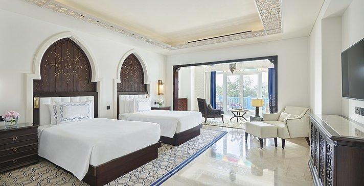 Two Bedroom Beach Villa mit Pool zweites Schlafzimmer - Hilton Salwa Beach Resort