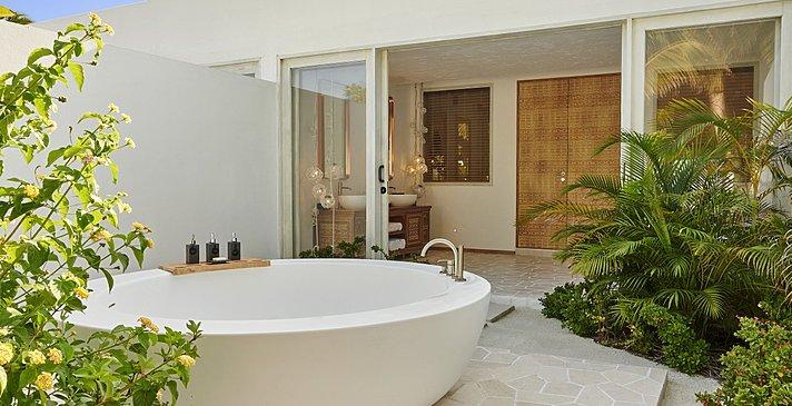 Two Bedroom Sunset Villa Badezimmer - Fairmont Maldives Sirru Fen Fushi