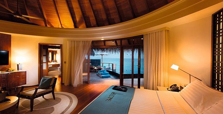 Water Villa Schlafzimmer - Constance Halaveli Resort