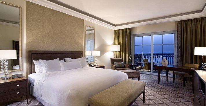 Executive Club Sea View - The Westin Mina Seyahi Beach Resort & Marina