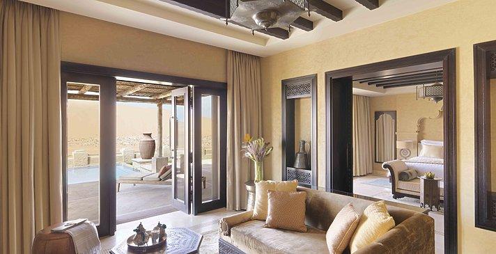 Wohnbereich der Villa - Royal Pavilion Villas by Qasr Al Sarab