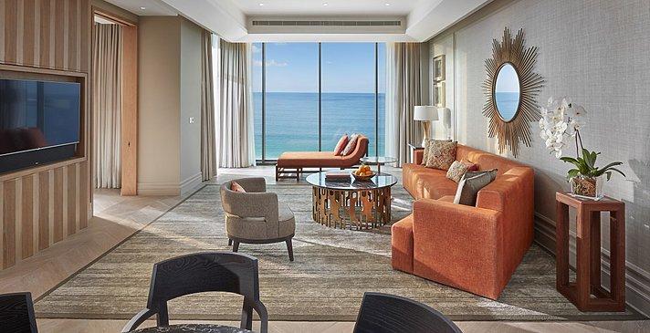 Wohnzimmer Mandarin Sea Front Suite