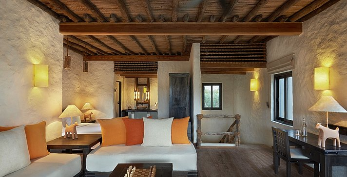 Zweites Schlafzimmer der 2 Bedroom (Beachfront) Zighy Pool Villa