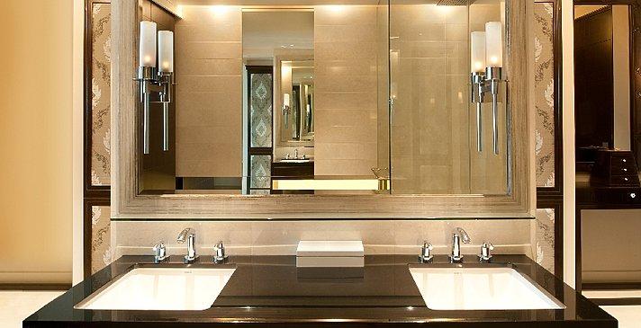 The St. Regis Bangkok - Grand Deluxe Room Badezimmer