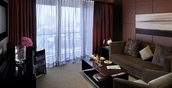 Junior Suite Wohnbereich - The Address Dubai Mall