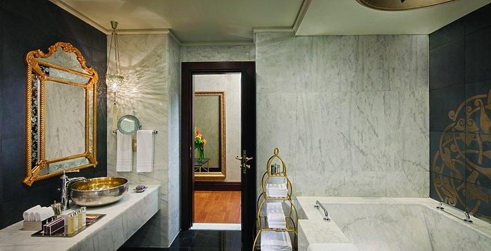 Imperial One Bedroom Suite Badezimmer - Jumeirah Zabeel Saray