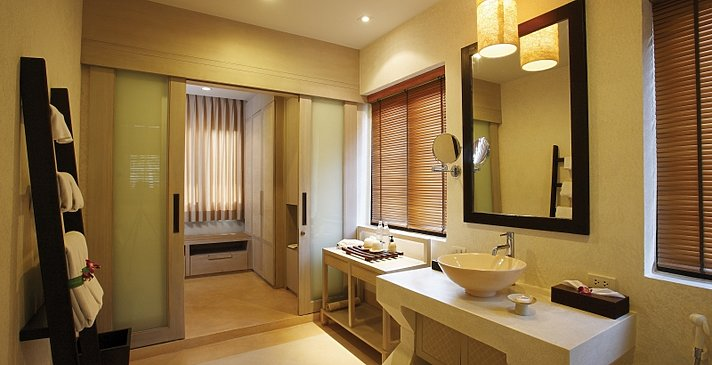 Melati Beach Resort & Spa - Family Pool Villa Badezimmer