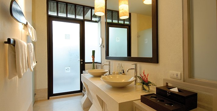 Melati Beach Resort & Spa - Grand Deluxe Room Badezimmer