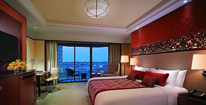 Shangri-La Hotel Bangkok - Deluxe Balcony Room