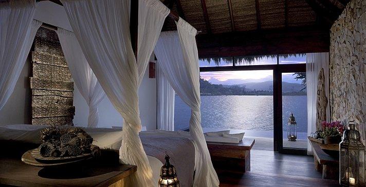 Song Saa Private Island - Overwater Villa Schlafzimmer