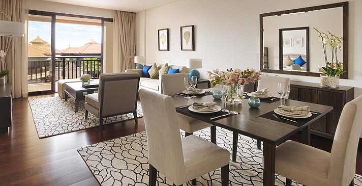 One Bedroom Apartment Wohn- und Essbereich - Anantara Dubai The Palm Resort & Spa