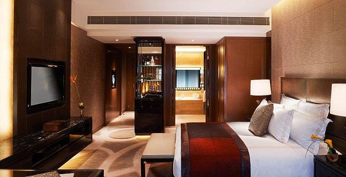 The Ritz-Carlton Hong Kong - Deluxe Room