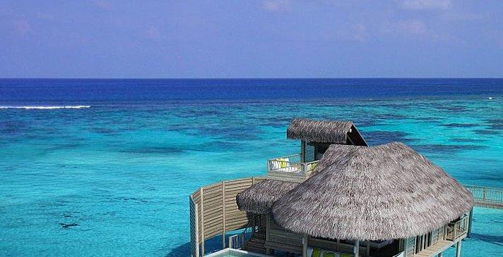 Laamu Water Villa mit Pool