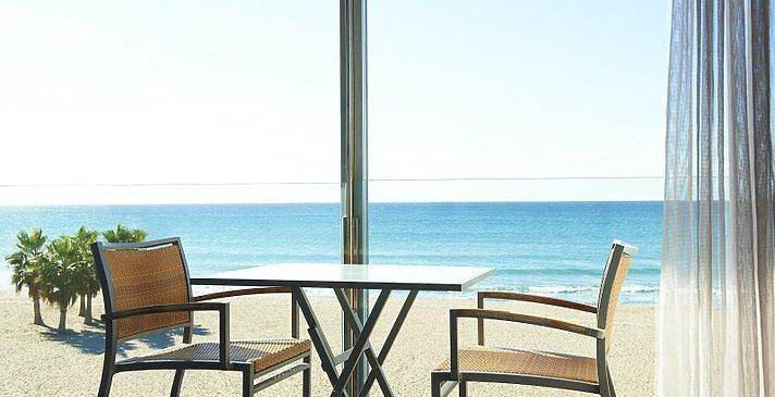 Premium Room Beach Front line Terrace - Le Meridien Ra Beach Hotel & Spa