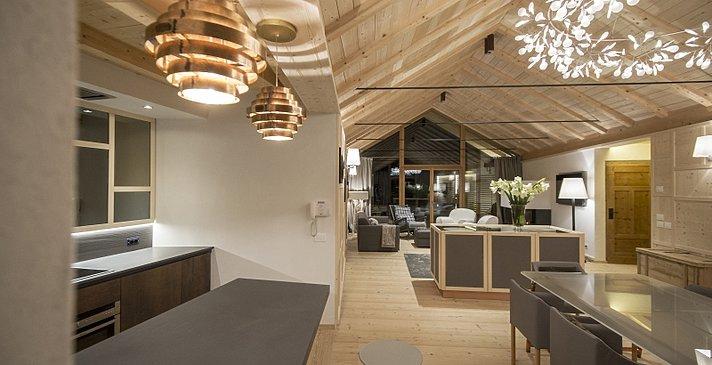 Chalet Zeno - Küchen- und Essbereich