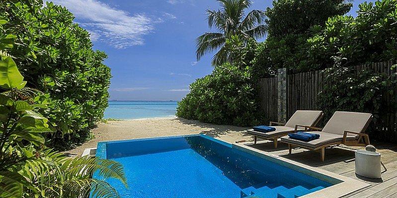 Beach Villa mit Pool - Velassaru