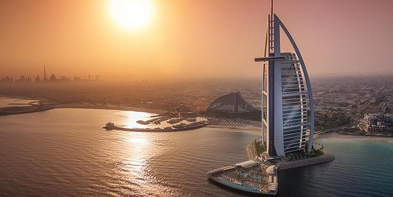 Burj Al Arab Jumeirah mit Badedeck