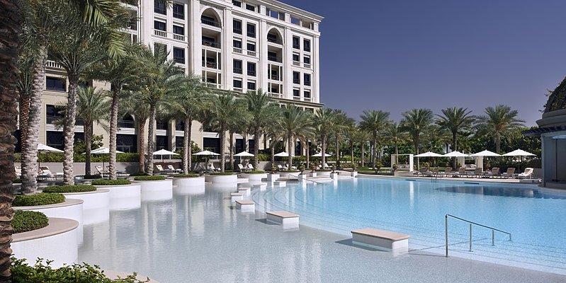 Ischia Swimmingpool - Palazzo Versace Dubai