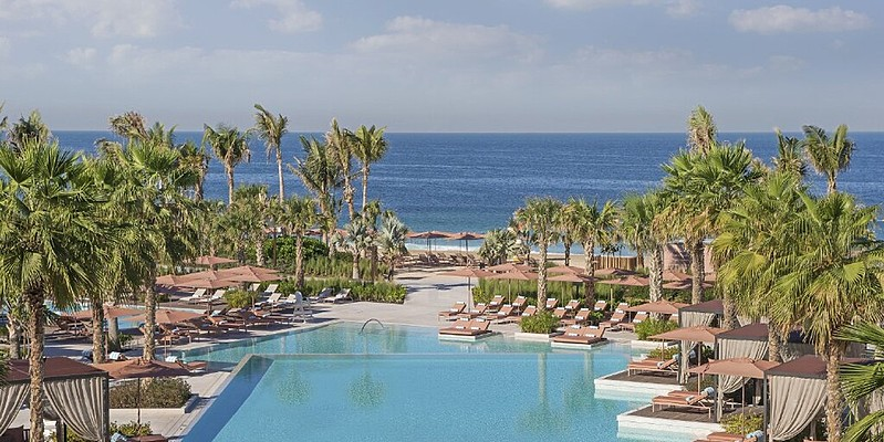 Pool und Strand - Caesars Palace Bluewaters Dubai