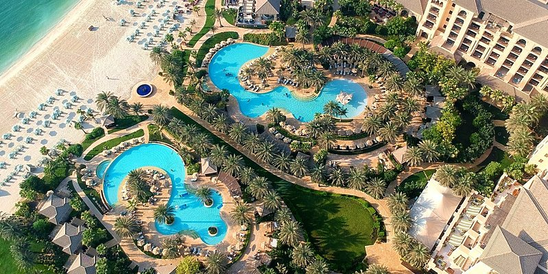 Poollandschaft des Four Seasons Resort