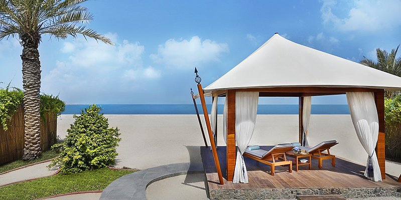 Private Cabana - The Ritz-Carlton, Al Hamra Beach