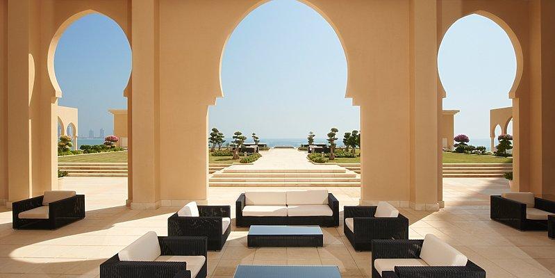 Sarab Lounge Terrasse - The St. Regis Doha