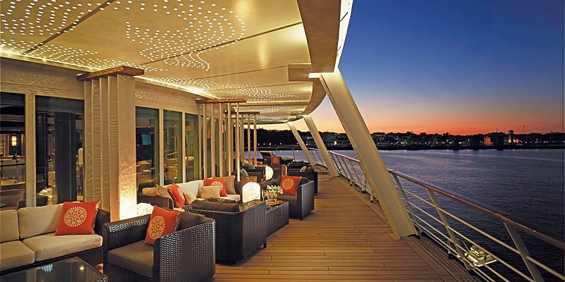 Seven Seas Voyager - Horizon Lounge
