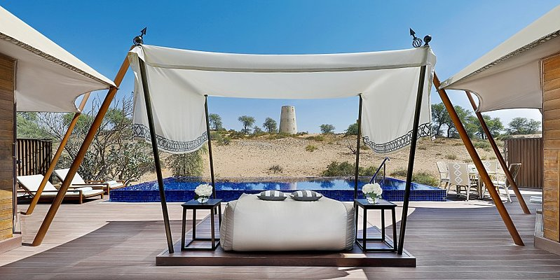 Sonnendeck mit Pool Al Khaimah/Al Sahari Villa - The Ritz-Carlton, Al Wadi Desert