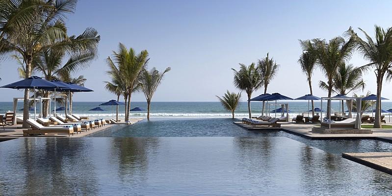 Swimmingpool des Al Baleed Resorts