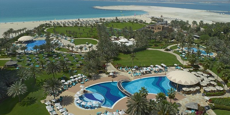 Pool und Gartenanlage - Le Royal Meridien Beach Resort & Spa