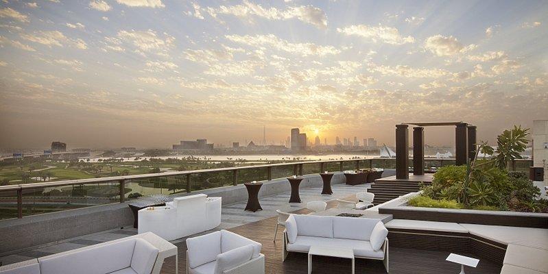 Aussicht mit der Dubai-Skyline im Hintergrund - Jumeirah Creekside Hotel