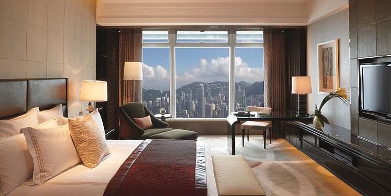 The Ritz-Carlton Hong Kong - Deluxe Victoria Harbour Room