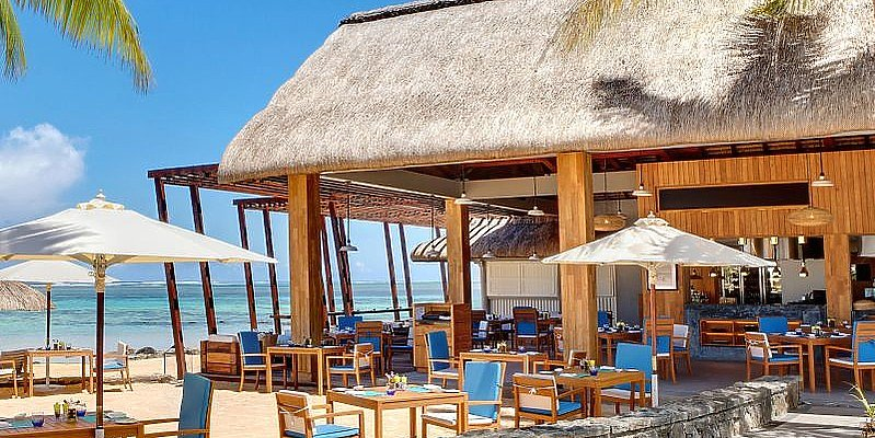 Outrigger Mauritius - Edge Water Bar & Grill